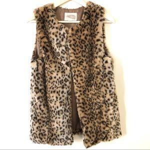 Forever21 Leopard print faux fur vest